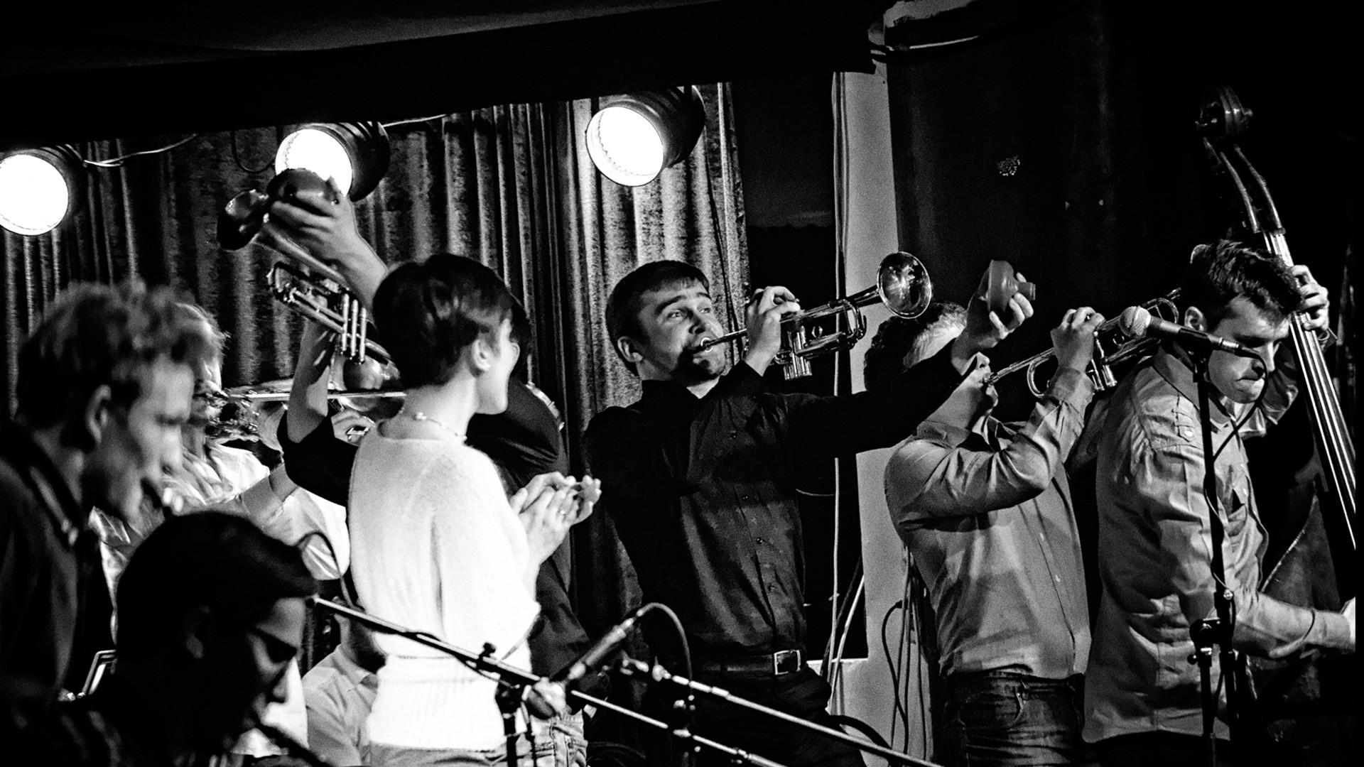 """Большой джазовый оркестр под управлением П. Востокова. Программа """"Большой джазовый оркестр играет """"Битлз"""""""