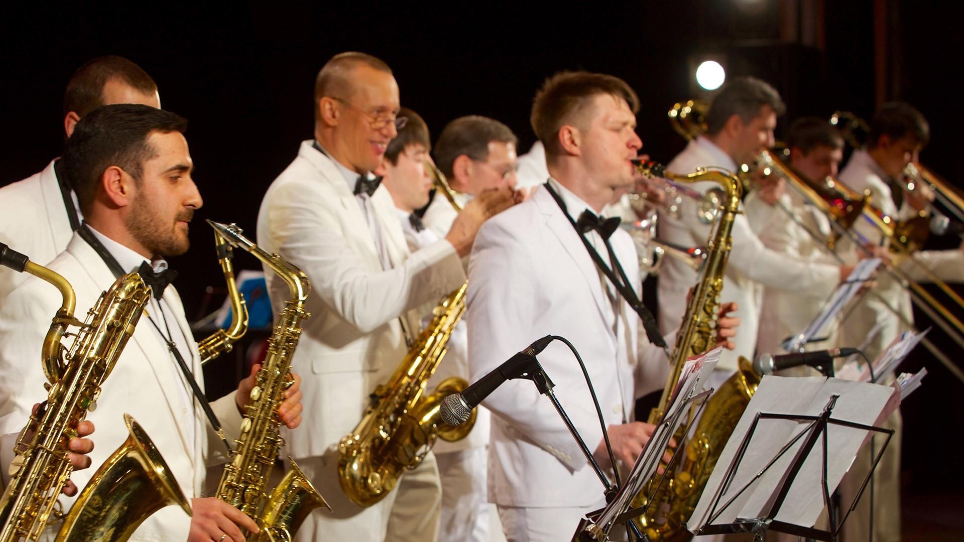 Биг-бенд Георгия Гараняна, Валерия Ланская, Юлиана Рогачёва. Концертная программа «Музыкальные трофеи»
